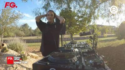 FG | HappyHour DJ with Anna Tur