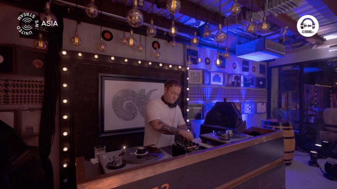 United We Stream Asia #19 Bangkok - Iconic Studio with Spencer