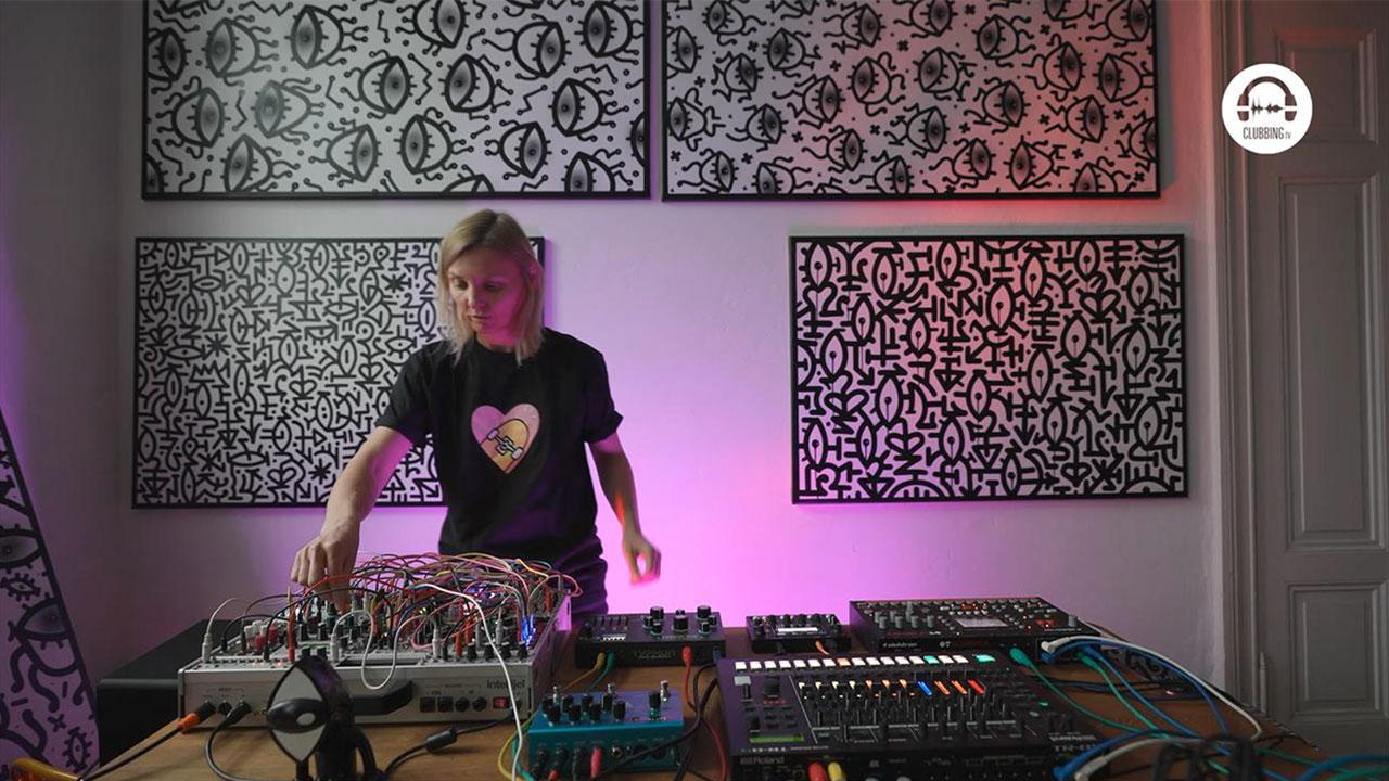 Live DJ Set with An On Bast