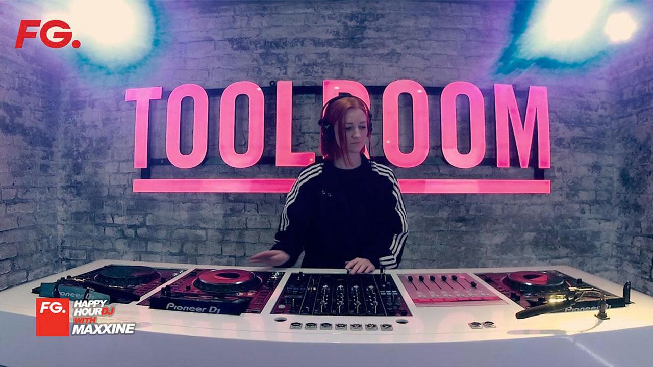 FG   HappyHour DJ with Maxinne